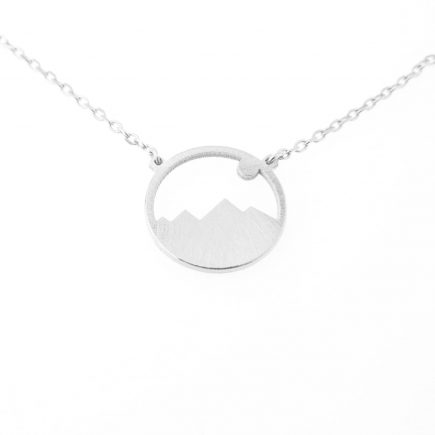 nature-necklace-hills-silver-min